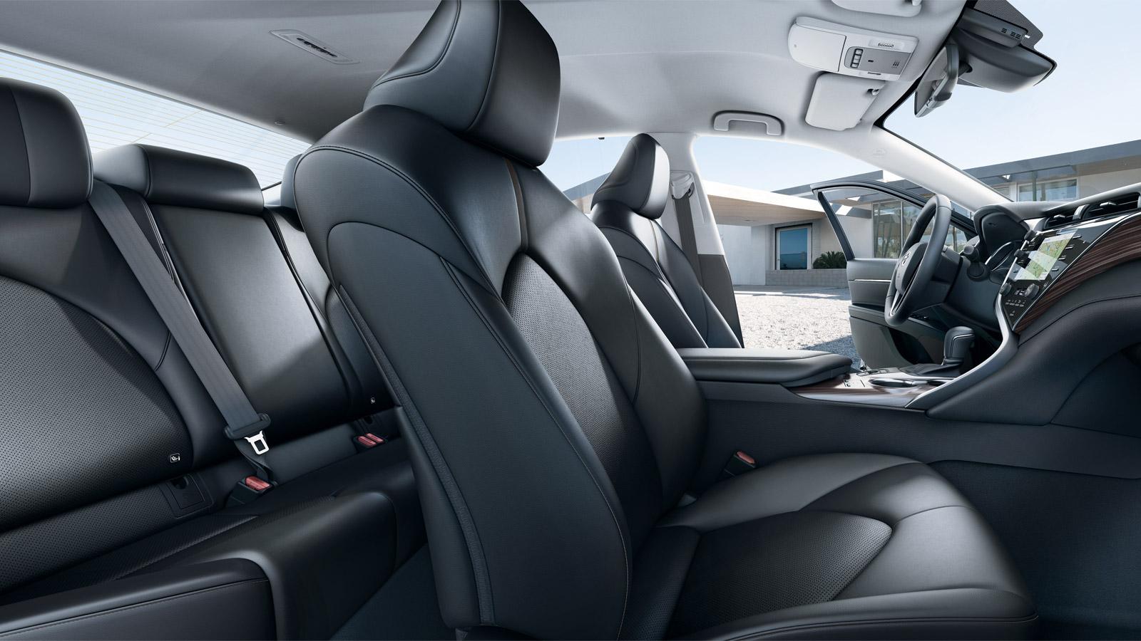 Interior Toyota Camry 2018