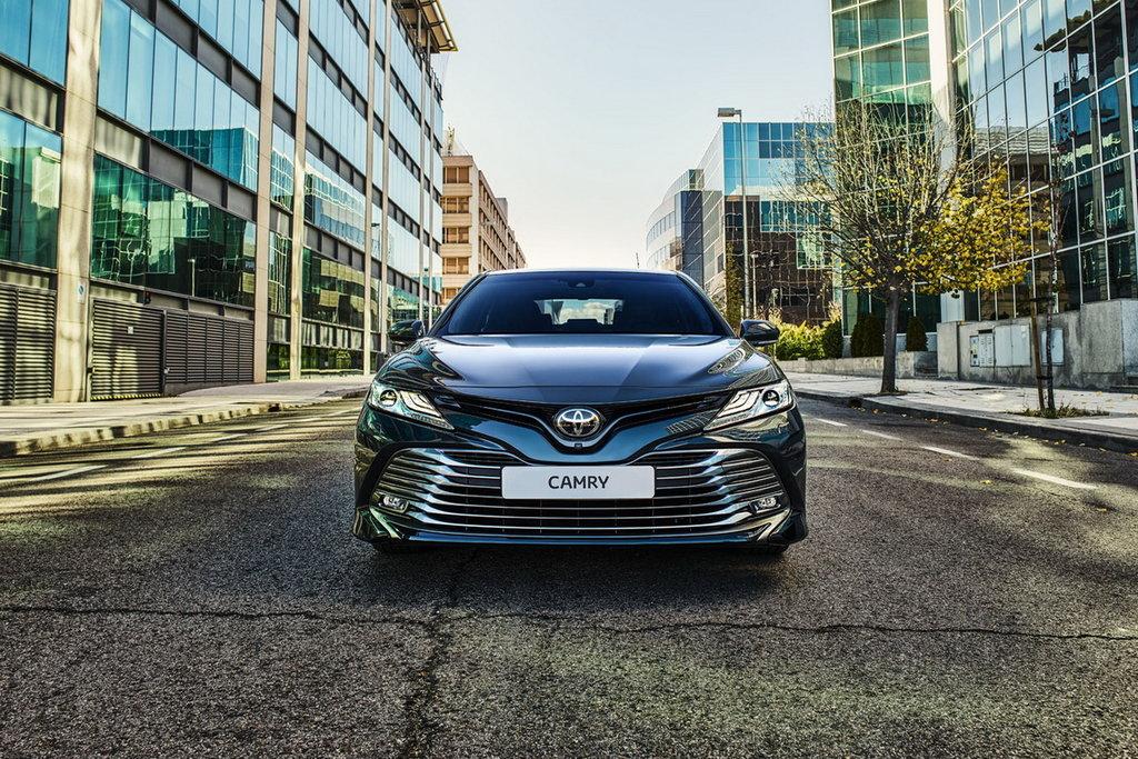 Toyota Camry 2021 – Комплектации и цены нового кузова